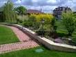 Садовая дорожка из тротуарной плитки (цветная бетонная: розовая, красноватая, кирпичного цвета) - 104