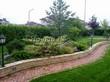 Садовая дорожка из тротуарной плитки (цветная бетонная: розовая, красноватая, кирпичного цвета) - 109