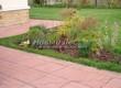 Садовая дорожка из тротуарной плитки (цветная бетонная: розовая, красноватая, кирпичного цвета) - 132