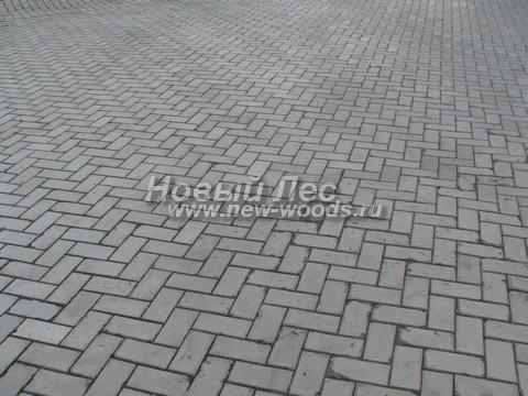 Бесконечная «ёлочка» - рисунок, образовынный уложенной на площадке бетонной плиткой