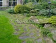 Садовая дорожка из плитняка (камень-пластушка, швы с травой) - 108