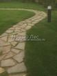 Садовая дорожка из плитняка (камень-пластушка, швы с травой) - 109