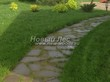 Садовая дорожка из плитняка (камень-пластушка, швы с травой) - 128