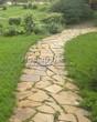 Садовая дорожка из плитняка (камень-пластушка, швы с травой) - 136