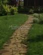 Садовая дорожка из плитняка (камень-пластушка, швы с травой) - 142