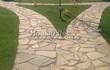 Садовая дорожка из песчаника (швы отсыпаны гравием) - 105