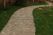 Садовая дорожка из песчаника (швы отсыпаны гравием) - 119
