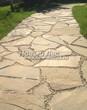 Садовая дорожка из песчаника (швы отсыпаны гравием) - 121
