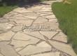 Садовая дорожка из песчаника (швы отсыпаны гравием) - 132